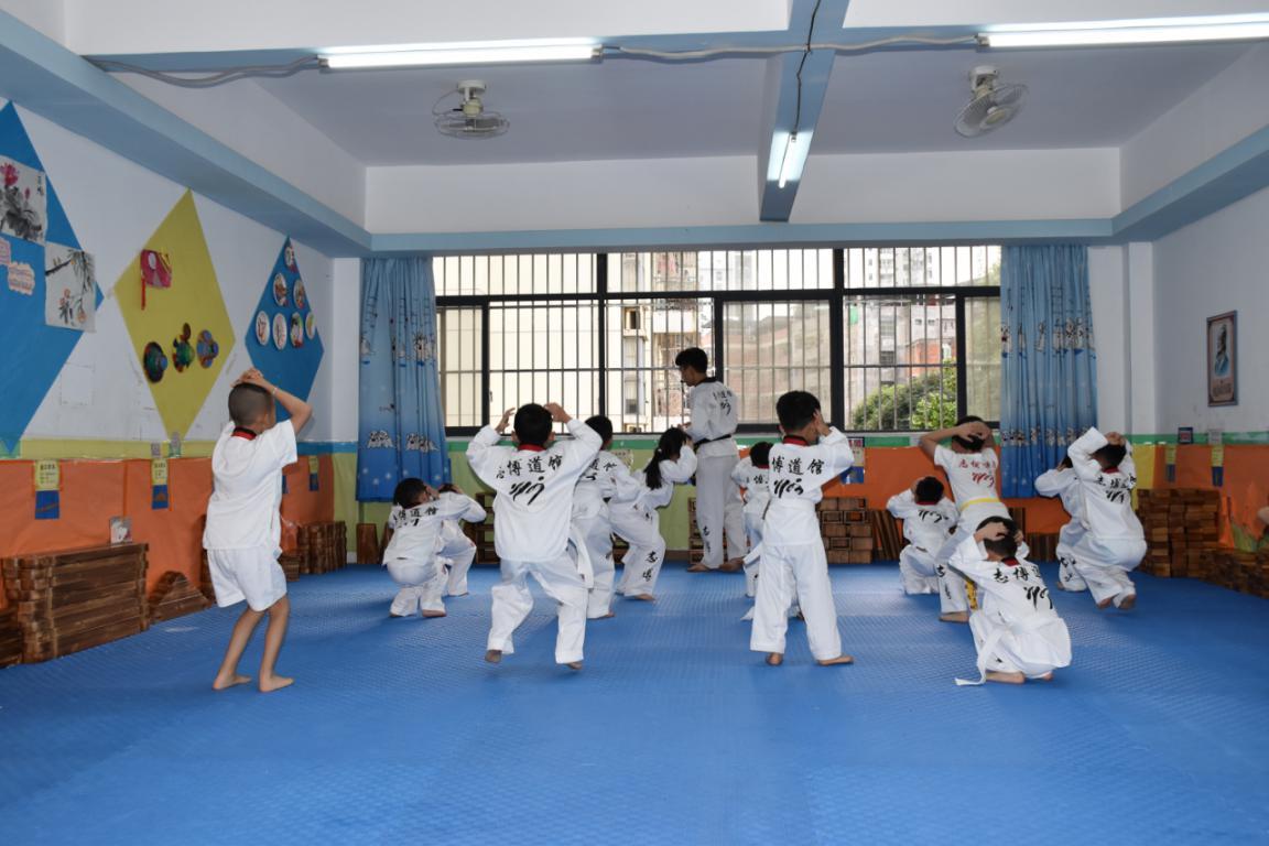 幼儿园de跆拳道训练课